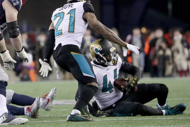 Myles Jack fumble recovered